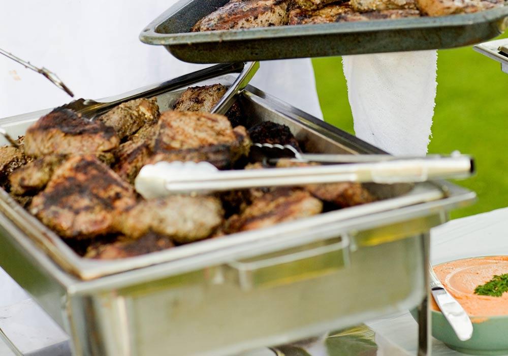 Leckers vom Grill in Moers – in unserem Restaurant, im Biergarten oder für Ihre nächste Feier